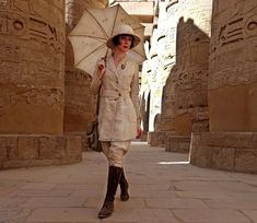Listen to the Dressed: The History of Fashion Episode - Dress Like an Egyptian, an interview with Egyptologist Dr. Colleen Darnell on iHeartRadio Punk Fashion, Retro Fashion, Vintage Fashion, Vintage Safari, Adventure Style, Steampunk Costume, Roaring Twenties, Girl Inspiration, Weekend Style