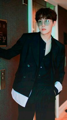 Read perra sexual from the story El policia y Agust D (yoonseok) by minnie-chimi (minnie) with 607 reads. Namjoon, Taehyung, Jung Hoseok, Gwangju, Park Ji Min, Foto Bts, Bts Boys, Bts Bangtan Boy, Jhope Bts