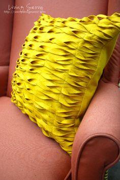textured felt pillow DIY