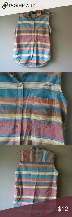 Aztec top Vintage faded aztec pattern sleeveless button up top Vintage Tops Top Vintage, Vintage Yellow, Vintage Ladies, Aztec Tribal Patterns, Fashion Design, Fashion Tips, Fashion Trends, Button Up