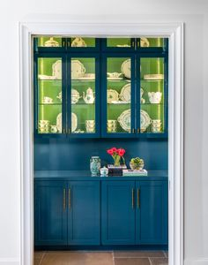 blue pantry with green cabinet interiors - Creative Tonic Green Bookshelves, Blue Shelves, White Subway Tile Backsplash, Blue Backsplash, Tulip Dining Table, Wooden Dining Tables, Small Space Design, Small Spaces, Green Cabinets