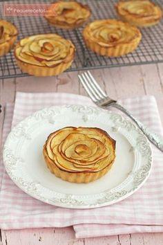 Rosas-de-manzana-y-almendra-(2) Cupcakes, Delicious Desserts, Dessert Recipes, Dessert Original, Corn Cakes, Good Food, Yummy Food, Mini Pies, Sweet Tarts