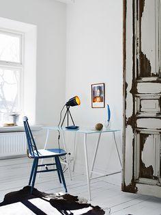A Swedish apartment in pretty white, blue and cognac
