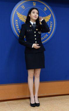 Police Uniforms, Girls Uniforms, Military Women, Military Fashion, Asian Woman, Asian Girl, The Rok, Cute Girl Face, Female Soldier