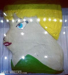 *Lovely* TinkerBell Cake Wreck! Love this site! =)
