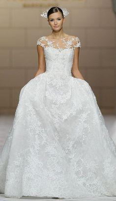 gorgeous and femenine dress **