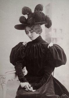 Cleo de Merode by Studio Reutlinger, France. 1895