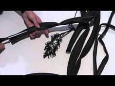 Halssnoer van fietsband - YouTube