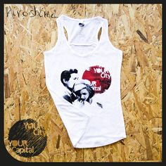 "Canotta DONNA ""Hiroshima mon amour"" 16,90€  100% Cotone ring spun Ampio girocollo e orlo inferiore con doppie impunture, rifiniture di tendenza, cuciture laterali.  Vintage look... 100% Designed in Italy  -  Tank top WOMAN ""Hiroshima mon amour"" 16,90€  100% ring spun cotton Wide crew neck collar and bottom hem with double topstitching. Trendy cut front & back yokes, side seams.  Vintage look... 100% Designed in Italy"