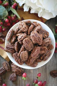 THANKSGIVING CINNAMON CANDIED PECANS