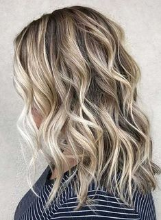 Just visit here to see latest ideas of blonde hair colors for long locks to try in year 2020. You just need to see here and try this awesome blonde hair highlights to make you look more attractive than before. No doubt these are awesome hair colors to sport in year 2020.