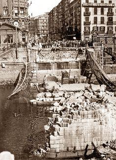 Spain - 1937. - Zona nacional - Bilbao - Puente de Isabel II volado por los republicanos antes de huir ante el avance de las tropas nacionales