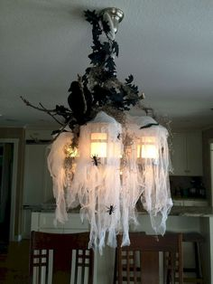 Astonishing DIY Dollar Store Halloween Decoration Ideas - No contest, hands down. Halloween is my favorite holiday! In addition to planning our Film Society's annual Halloween event, I also spend hours onli. Spooky Halloween, Halloween Veranda, Bolo Halloween, Table Halloween, Dollar Tree Halloween, Halloween Home Decor, Diy Halloween Decorations, Halloween Crafts, Scary Decorations
