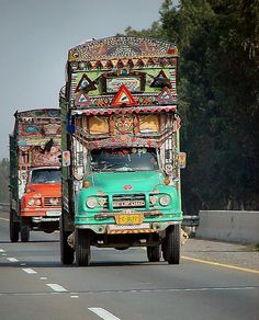 Traditional truck art - Pakistan by PakPositive, via Flickr