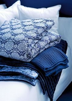 block print bedding in coastal inspired blues kalyana textiles
