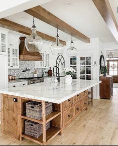 Farmhouse Kitchen Decor, Kitchen Redo, Home Decor Kitchen, New Kitchen, Home Kitchens, Kitchen Ideas, Lake House Kitchens, Barn Kitchen, Modern Farmhouse Plans