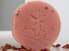 Savon Route Mandarine fabriqué selon la méthode de saponification à froid pour un plus grand respect des matières premières et de l'environnement.