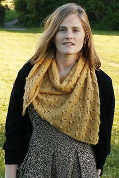 Wild Clover shawl : Knitty.com - Deep Fall 2014 - Designed by Emily Nora O'Neil