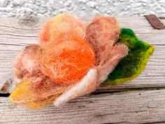 Rusti and orange brooche. Happy Flower with wishes. Vintage wraping with wax. Hand Flowers, Felt Flowers, Spring Flowers, Mothers Day Presents, Mother Day Gifts, Wish Gifts, Happy Birthday Gifts, Ready To Go, Floral Arrangements