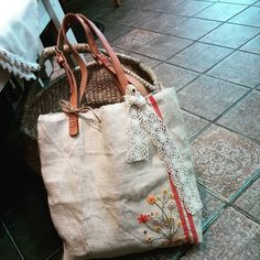 #Embroidery#stitch#needlework#Hamp linen bag #프랑스자수#일산프랑스자수#자수#햄프린넨가방 #이 아이는 3월12일이 생일 ~~
