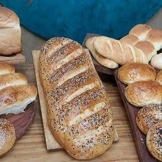 Apple Pie Recipes, Bread Recipes, Portuguese Potatoes, Garbanzo Bean Flour, Deli Food, Potato Bread, Sweets Cake, Bakery, Food Porn
