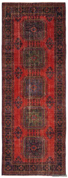 Turkish Vintage Rug around 40 years old and in very good condition. Piles of this rug was trimmed in order to give a contemporary look.