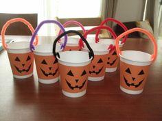 紙コップで超簡単♪キャンディ入れ Easy Arts And Crafts, Crafts To Do, Halloween Kids, Halloween Crafts, Fun Activities For Kids, English Lessons, Mugs, Simple, Projects