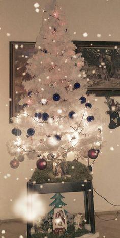 Lucky Luke, Christmas Tree, Holiday Decor, Home Decor, Teal Christmas Tree, Decoration Home, Room Decor, Xmas Trees, Christmas Trees