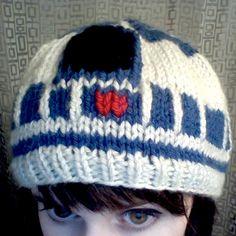 R2D2 hat... knitting idea @Sheri | Pork Cracklins Braun ... Bud likes this!