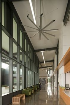 Big Ass Fans PCC Newberg Center / Hennebery Eddy Architects | ArchDaily