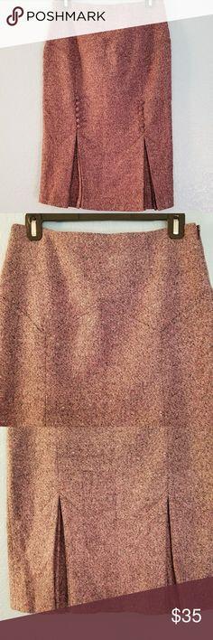 Moda international wool blend skirt sz 4 tweed Moda international wool blend skirt sz 4 knee length pink tweed Moda International Skirts Midi