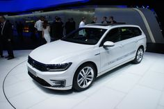 Volkswagen Passat GTE Photos and Specs. Photo: Volkswagen Passat GTE sale and 26 perfect photos of Volkswagen Passat GTE Vw Passat, Perfect Photo, Model Photos, Volkswagen, Paris, Live Photos, Vehicles, Specs, Model Headshots