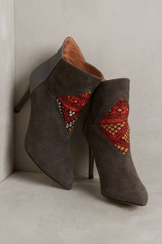 Howsty Etnia Booties #anthrofave