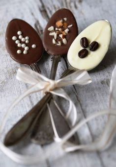 ☕ Chocolate coffee spoons ☕ great idea but with plastic spoons for gift sets.