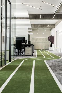 Do you work in a fun office space? At Buyer's Edge - BuyersAgent.com VA, MD, DC, we do!!