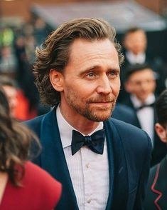 Tom Hiddleston smoulders on the red carpet at the Olivier Awards, April 2019 Tom Hiddleston Benedict Cumberbatch, Tom Hiddleston Loki, Tom Hiddleston Movies, Hiddleston Daily, Beautiful Person, Beautiful Boys, Gorgeous Men, British Boys, British People