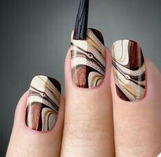 As unhas marmorizadas ou marble nails vem fazendo muito sucesso entre as mulhere… Marble nails were very successful in women because they had a similar effect as marble stones. Fall Nail Designs, Acrylic Nail Designs, Acrylic Nails, Diy Nails, Cute Nails, Autumn Nails, Nagel Gel, Beautiful Nail Art, Creative Nails