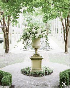 Breathtaking 43 Pretty Magical Spring Garden Ideas Just for You Formal Gardens, Outdoor Gardens, Garden Urns, Tall Plants, White Gardens, Garden Cottage, Spring Garden, Dream Garden, Backyard Landscaping