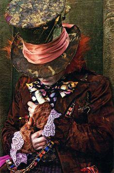 the mad hatter johnny depp alice in wonderland.love alice in wonderland fav. Tim Burton, Adventures In Wonderland, Alice In Wonderland, La Danse Macabre, Colleen Atwood, Go Ask Alice, Chesire Cat, Alice Liddell, Images Disney