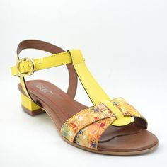 Shoes, Fashion, Sandals, Moda, Zapatos, Shoes Outlet, Fashion Styles, Fasion, Footwear