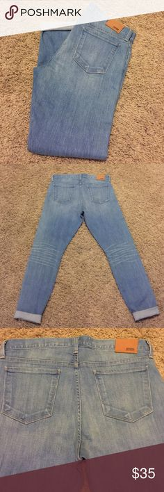NWOT LUCKY BRAND BROOKE SKINNY JEANS! SIZE 29/8 ❣🎉❣NWOT THE OTHER PAIR OF LUCKY BRAND BROOKE SKINNY JEANS THAT I PURCHASED AT THE SAME TIME AS THE ANKLE CROP BROOKE LUCKY BRAND JEANS...UNFORTUNATELY THE BROOKE'S DONT FIT ME! THESE ARE PERFECT! DIRECTLY OFF THE RACK! These are too tight fit me by one size! 😩 SUPER BUMMED! THEY NEED A HOME! SUPER CUTE ROLLED UP WITH THE SPERRY'S IN MY CLOSET😃😂 Lucky Brand Jeans Skinny