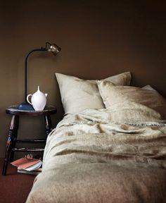 Bedroom Green, Master Bedroom, Bedroom Decor, Interior Architecture, Interior And Exterior, Interior Design, Interior Stylist, Color Of The Year 2017, Tadelakt