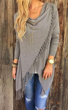 Absolutely LOVE this sweater! Stunning Paige Fringe Shawl Look Fall 2015 Trends - Latest Women's Fashion Trends and Outfits - Urefy - Latest Fashion Outfits For Fashonistas Look Fashion, Fashion Beauty, Fashion Outfits, Fashion Trends, Street Fashion, Fashion Fall, Fashion Styles, Fasion, Trendy Fashion