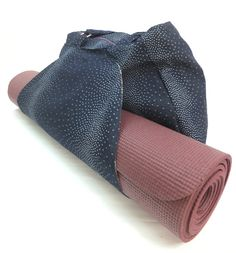 Tote bag for Yoga Mat with Matching Pouch made of Jeans by Shirku...i need this