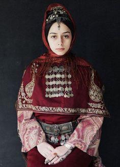 ...de costume traditionnel.