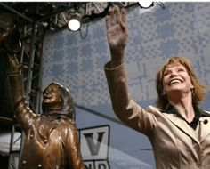 nice The Lady in the Statue Has Died: RIP Mary
