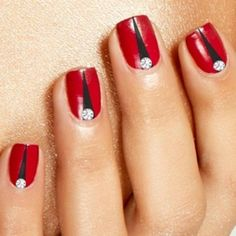 Red Nail Art Designs 23 - 55 The Hottest Red Nail Art Ideas ♥ ♥ More Source by pamelaburroughsmake Black Nails, Red Nails, Hair And Nails, Black Toe, Pastel Nails, Garra, Red Wedding Nails, Triangle Nails, Red Nail Art