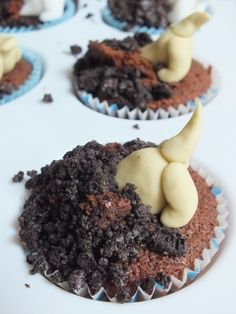 Dog digging hole! (Paws for cupcakes) https://www.facebook.com/thecherishedcake/posts/1396937610527014