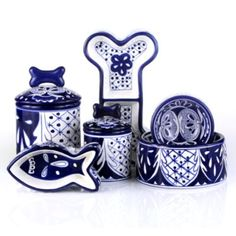 Hand Painted Azul Ceramic Pet Bowls  To match my blue & white Dutch kitchen & add a festive look.