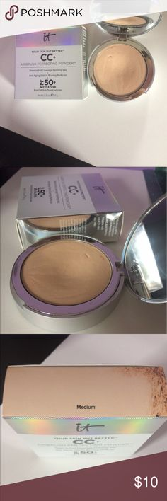 """It Cosmetics Pressed Powder Color correcting Pressed powder by It Cosmetics. Has been used a few times (as shown), It's in the shade """"Medium"""" comes in box. It's buildable Coverage. Accepting reasonable offers 😊💋 It Cosmetics Makeup Face Powder"""